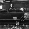 Kašna před Nár. muzeem s posmrtnou maskou JP, asi 19. ledna 1969